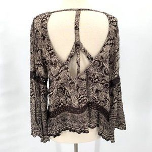 PATRONS OF PEACE Cut Out Top Bell Sleeve Boho S